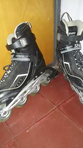 Rollers Spady talle 35 hasta 40.