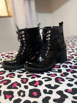 Venta de hermosas botas talla 38