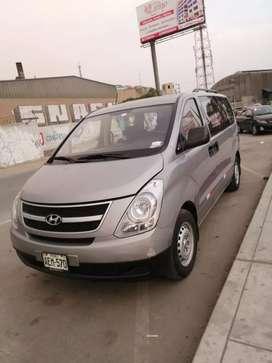 Se vende mini van Hyundai