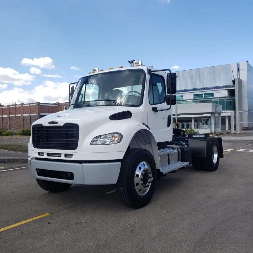 Minimula Freightliner con Motor Mercedes Benz Básica Americana 100%