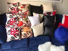 Cojines decorativos estampados y de tela peluche