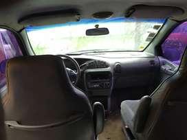 Se vende Chrysler Caravan usada