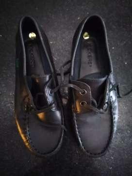 Vendo zapatos colegiales