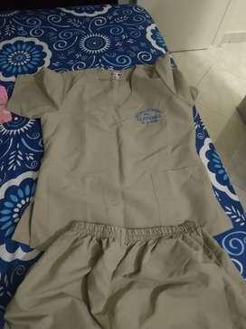 Vendo uniforme academia española