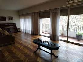 Dueño directo VENDE Dpto Santa Fe 706 5to piso. 3 dormitorios + dep. Servicio. 152 m2. Con cochera.