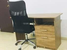 Vendo muebles de oficina con silla gerencial