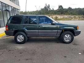 Vendo Hermosa Jeep Grand Cherokee ZJ 5.2L AT