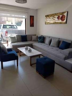 Moderna y Amplia Casa en Venta, Sector Av. Don Bosco, dentro de un Condominio