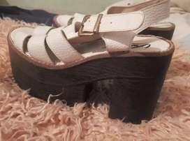 Calzado femenino muy buen estado muy poco uso