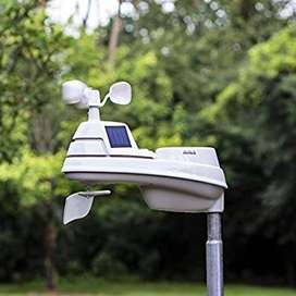 ACURITE 01024 M PRO WEATHER STATION WITH HD DISPLAY