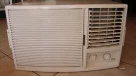 Aire acondicionado Tipo Ventana Durabrand 2500 frigorías
