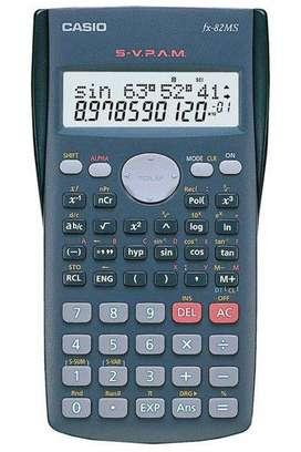 Calculadora Cientifica CASIO ref fx-82MS