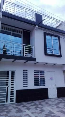 Venta de casa con 3 apartamentos