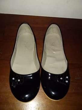 Zapato de ñiña talle 33