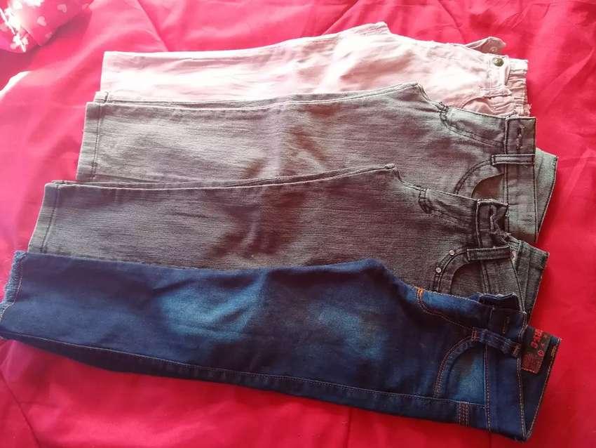 Jeans y vestidos nena 0