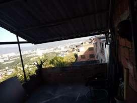 Se vende o permuta casa con vista panorámica a la ciudad de Bucaramanga,