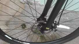 Se vende bicicleta todo terreno talla m Rin 29 tipo montaña