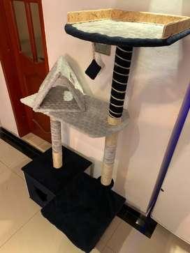 Gimnasio rascador para gatos