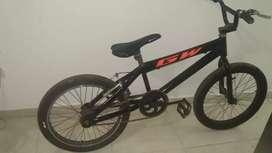 Bicicleta con llantas pistera
