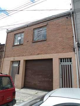 Casa bodega, primer piso bodega, segundo Oficinas y apartamento de 5 alcobas.