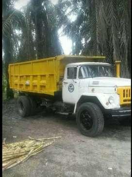 Vendo o cambio con camioneta o ganado volqueta nissan tk20 con cabina zil