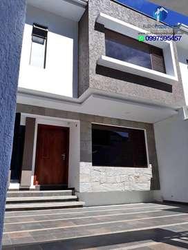Casa en venta de 4 dormitorio sector Ucubamba