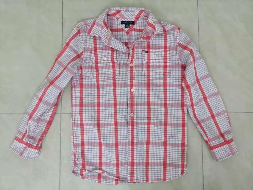 Camisa mangas largas Tommy talla 8-10 niño 0