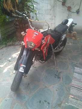 Moto Zanella Ztt 250 Supermotard roja