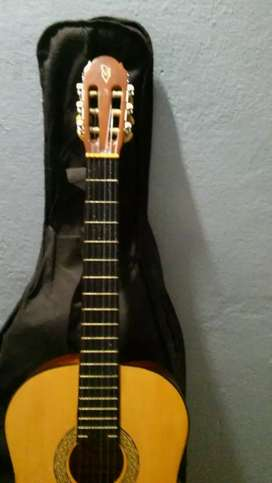 Vendo guitarra criolla totalmente nueva sin uso