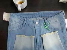 Se ofrece taller satelite para jeans