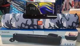 Parlante e20 bluetooth usb radio auxiliar pantalla led y correa para llevarlo como maleta