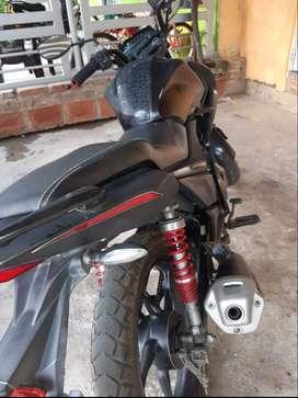 Vendo moto cr4 en perfectas condiciones