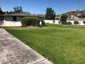 Rento Casa amoblada con amplias áreas verdes