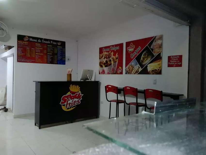 Se vende negocio de comidas rápidas acreditado 0