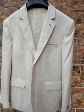 Se vende chaqueta de traje