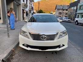 Vendo Toyota Camry V6 277cv modelo 2013 full tope de gama. Recibo autos de menor valor