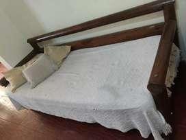 Sillón cama de madera rústica