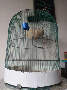 Jaula para aves con accesorios