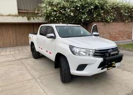 Toyota Hilux 2017 sr 4x4
