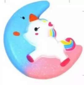 Squishy unicornio con luna