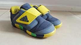 Zapatillas Nro 24