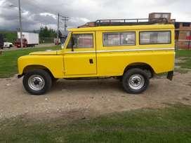 Land Rover Santana extralargo, amarillo, tres puertas, 1972, papeles al día, recién pintado