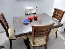 Mesa Comedor de Cuatro Puestos
