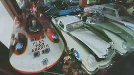 Colección de carros de hojalata