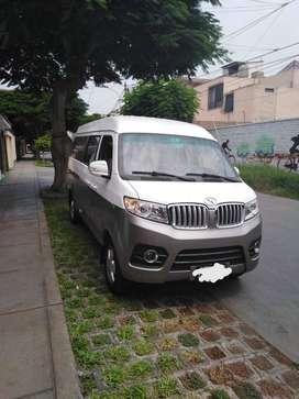 Alquilo minivan con chofer