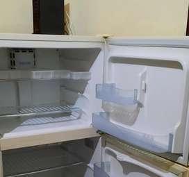 Técnicos en Arreglo, reparación, mantenimiento de neveras, congeladores cuartos frios de todo tipo