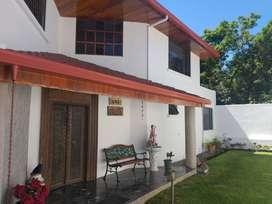 Vendo Amplia Casa Independiente de 4 Habitaciones en Miravalle 3 Cumbayá