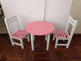 Mesa y silla para niñas