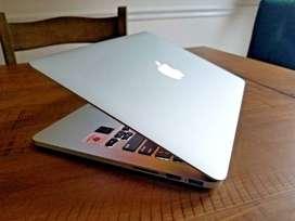 MacBook Pro 2015 13 RETINA Core i5 + 8GB Ram + 256GB SSD