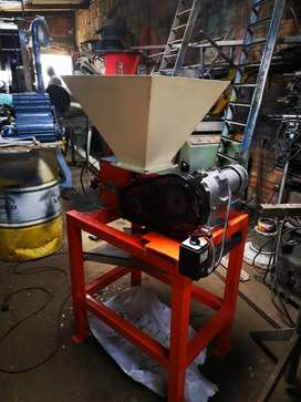Fabricamos máquinas trituradoras de pet y vidrio